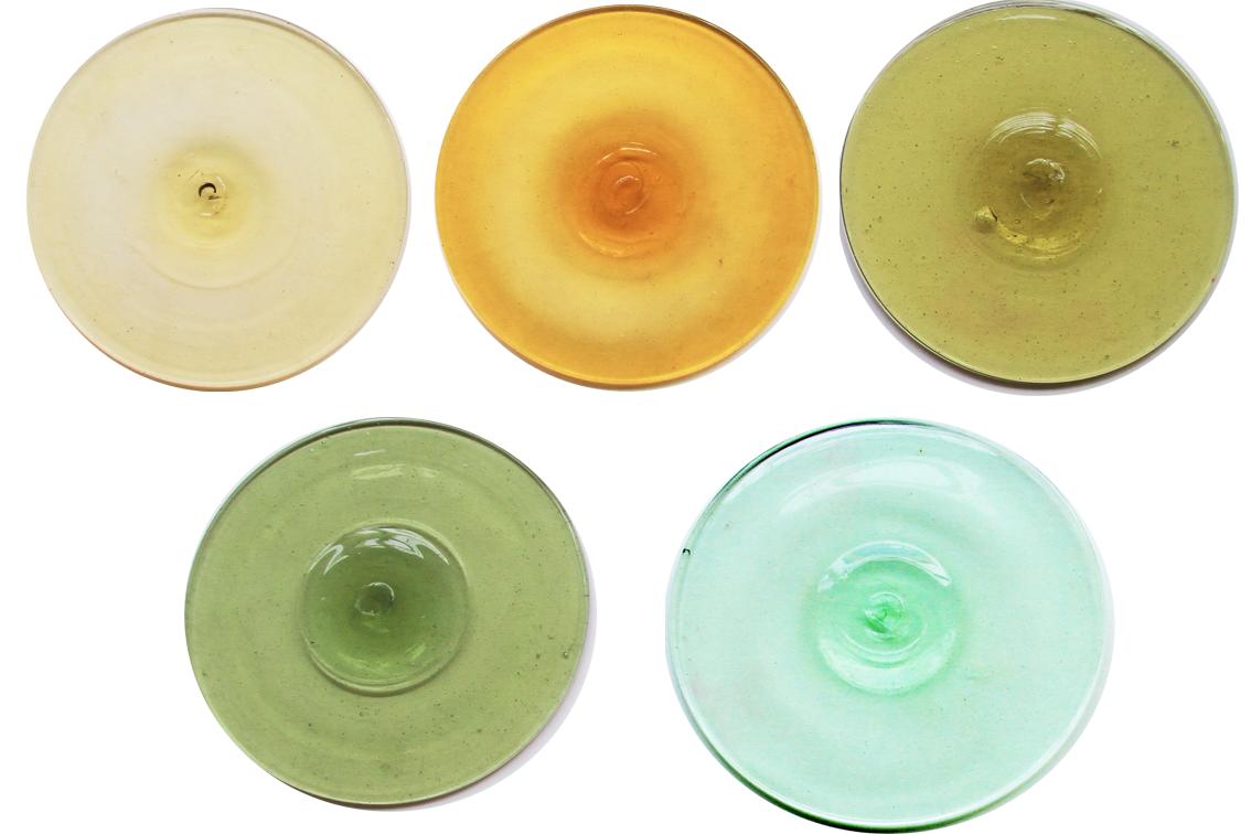 Wiesenthaler-Butzen in verschiedenen Farben Atelier für Glasmalerei Peter Kuster